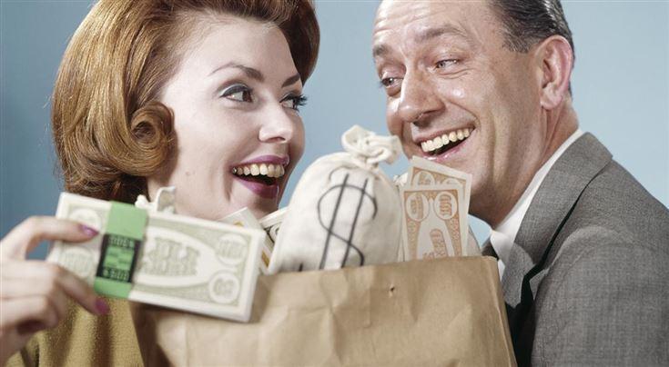 Знай, за что платишь. ЦБ и Минфин накажут банки за навязывание страховок и скрытые комиссии